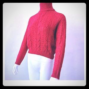 Sweaters - Fall coming soon..Knited Sweater Crop Top